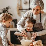 Dinamiche interpersonali tra nonni, genitori e figli: risorse e limiti - Moms