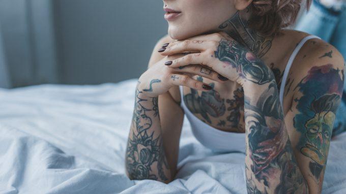 La percezione della donna tatuata