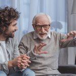 Elderspeak: il linguaggio ageistico e i pregiudizi verso gli anziani