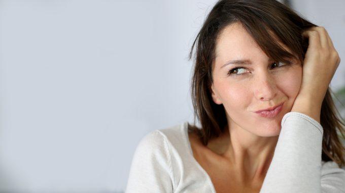 La masturbazione femminile, dalla nascita dei tabù alla riscoperta dei benefici fisici e psicologici
