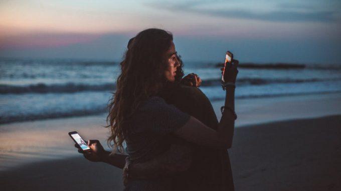 Nomofobia: il sottile Confine tra Paura di stare senza Smartphone ed Uso Problematico del Dispositivo