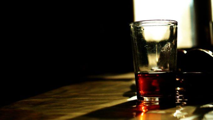 Strutture di personalità e alcol: possono i disturbi di personalità mantenere e alimentare il disturbo da uso di alcol compromettendone i trattamenti?