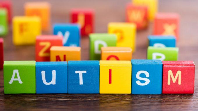 Spettro autistico: un excursus di miti e controversie sull'eziologia