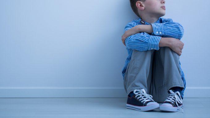 Gli orfani di femminicidio: quando ad uccidere è stato il padre