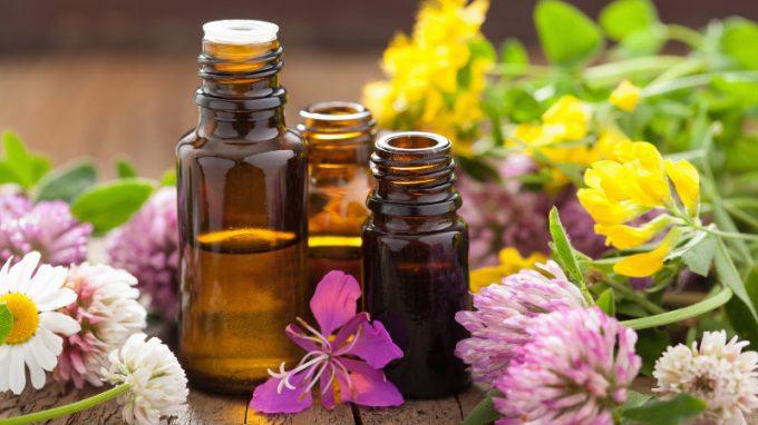 L'aromaterapia e la musicoterapia possono alleviare lo stress tra gli studenti universitari? Uno studio clinico controllato randomizzato