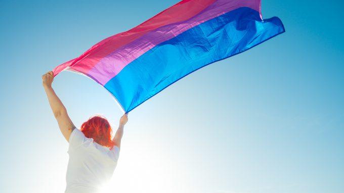 Origini della bifobia: riflessioni sullo stigma che accompagna le persone bisessuali