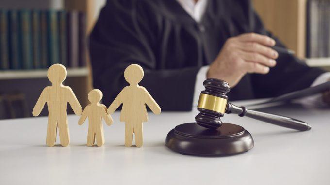 La capacità genitoriale nei processi separativi: dal valutare al descrivere