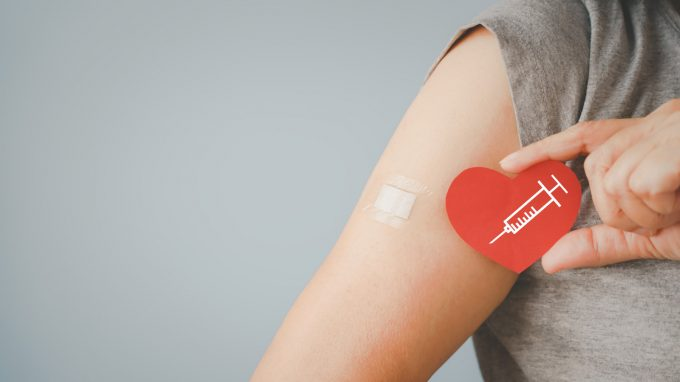 Le miocarditi da vaccino Covid sono rarissime, molto peggio quelle causate dal Virus. Vaccinarsi è fondamentale – Comunicato Stampa